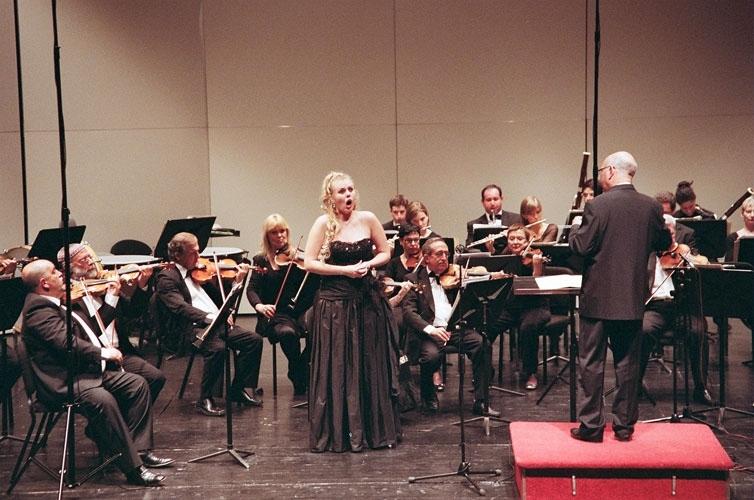 זמרת אופרה ישראלית